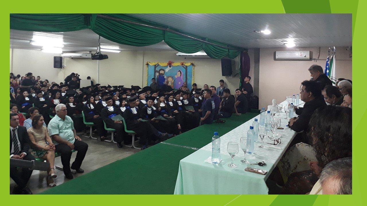 UFAM gradua 70 alunos dos cursos do ICSEZ
